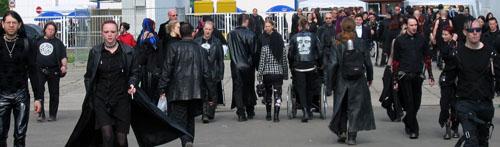 gothics schwarz gekleidete Personen © flickr /GothEric
