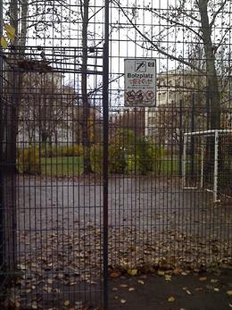 bolzplatz auf der grünanlage © friedrichshainblog.de