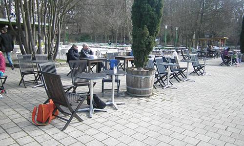 außenbestuhlung cafe schönbrunn © friedrichshainblog.de