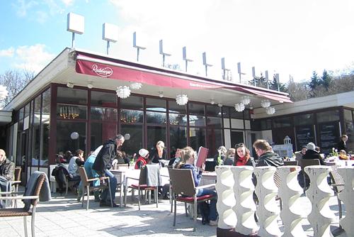 cafe schönbrunn im volkspark friedrichshain © friedrichshainblog.de