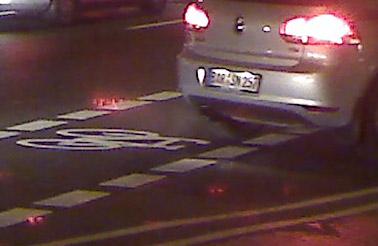 auto auf radweg kreuzung © friedrichshainblog.de