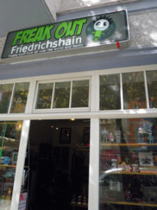 freak out trödel laden berlin friedrichshain c friedrichshainblog.de