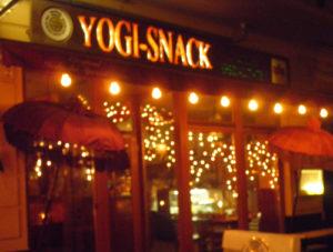 yogi-snack-simon-dach-straße © friedrichshainblog.de