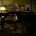 tische im csa cocktailbar berlin friedrichshain © friedrichshainblog.de