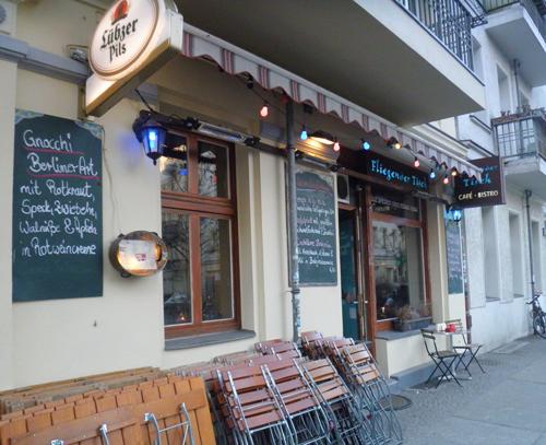 der fliegende tische-italienisches restaurant © friedrichshainblog.de