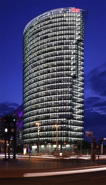 db tower_potsdamer Platz © wikipedia/Emdee