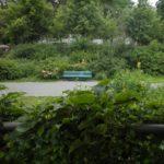Sitzbank im Grünstreifen von Kreuzberg
