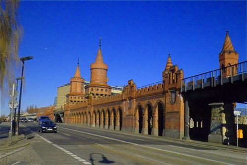 oberbaumbrücke von kreuzberg