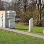 Kunst auf der Grünfläche oberbaumstraße