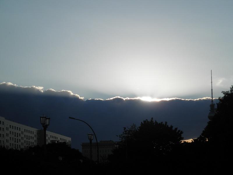 Sonne hinter den Wolken Berlin Friedrichshain