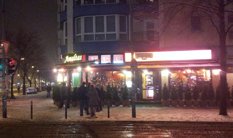 Amaltas Restaurant bei Nacht