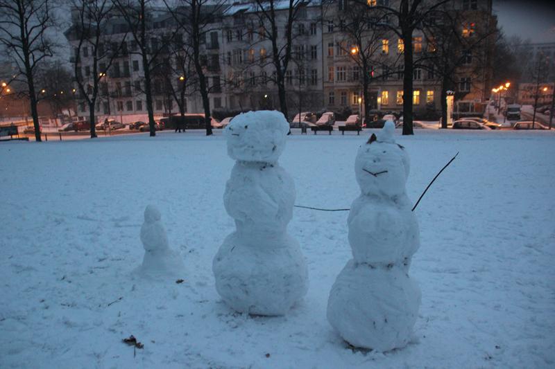 Schneemänner im Volkspark Friedrichshain