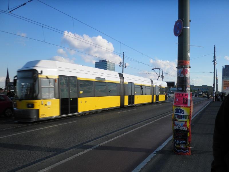 Tram M10 Warschauer Brücke
