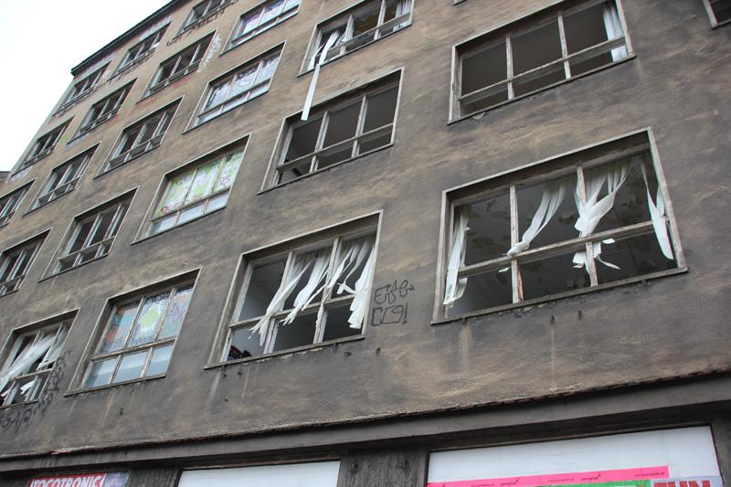Zerstörte Fenster Stralauer Platz