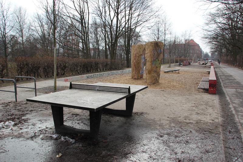 04 Tischtennisplatte Kanal Kreuzberg