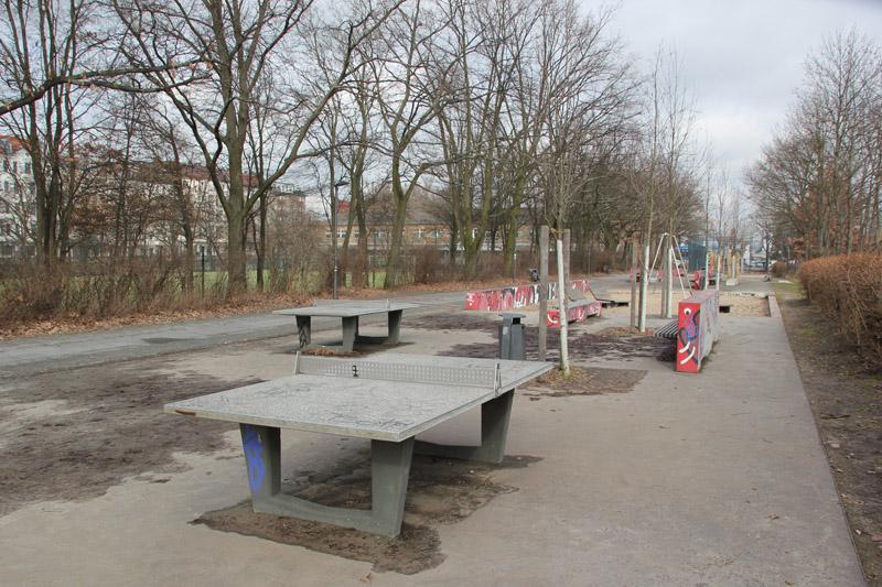08 Tischtennisplatten Kanal Kreuzberg