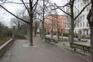 Säulen beim Bouleplatz Landwehrkanal
