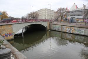 Landwehrkanal Kottbusser Brücke