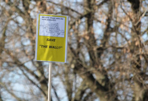Plakat gegen Mauerabriss