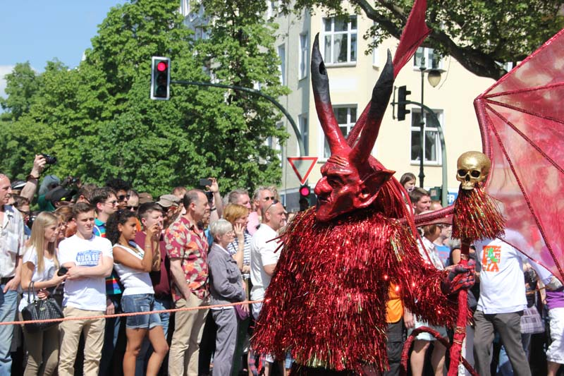 Teufelsfigur Karneval der Kulturen 2013