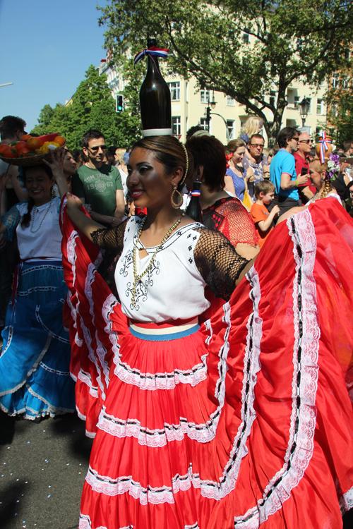 Traditionelle Tänzerin Karneval der Kulturen 2013