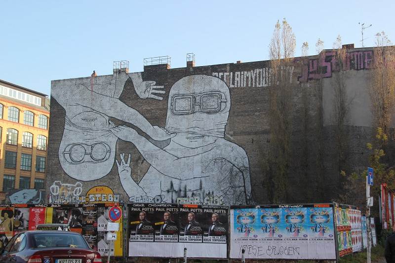 Wand Grafitti Kreuzberg Gesichtsmasken