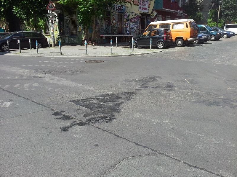 Rigaer Straße Asphaltbrand