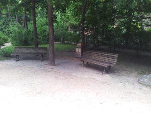 Sitzbank beim Spielplatz