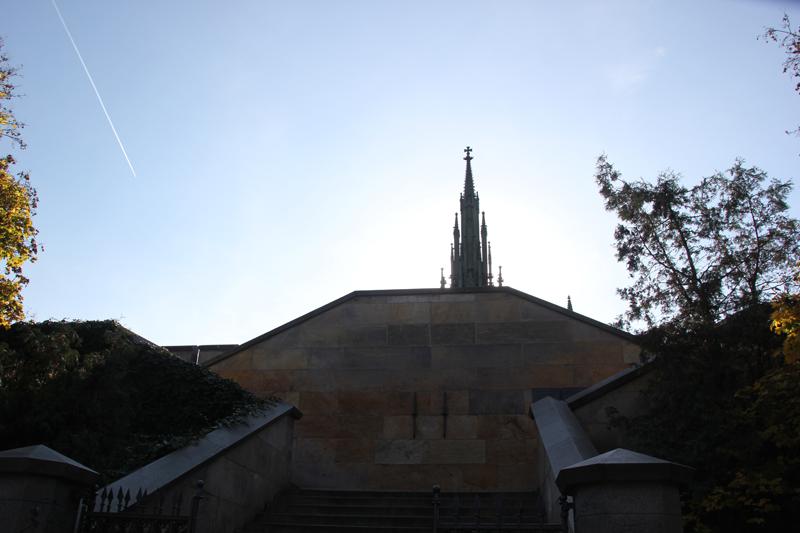 23 Aufgang zum Denkmal