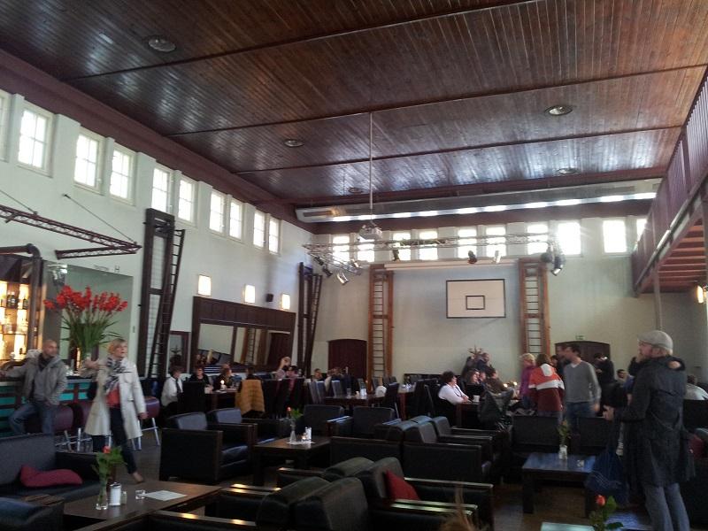 Turnhalle Restaurant Innenraum