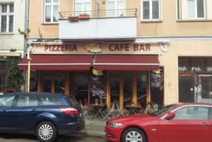 Pizza-Dach Friedrichshain