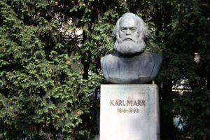 Karl Marx Bueste Friedrichshain