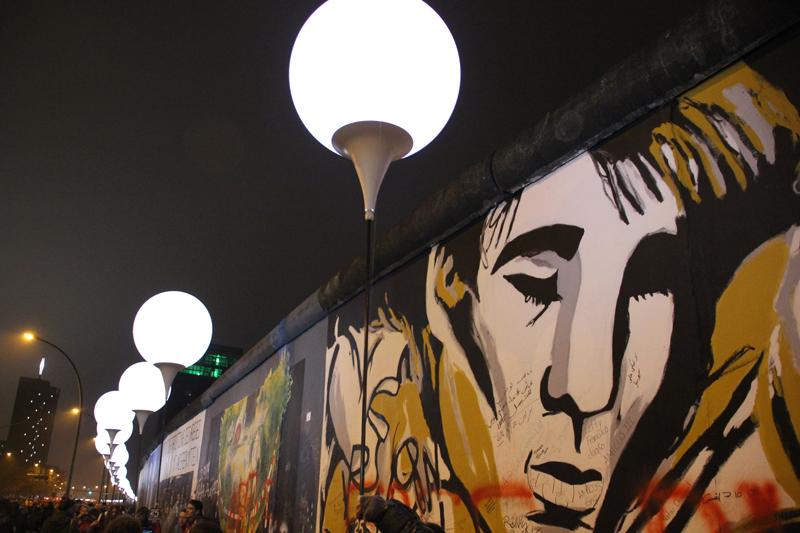 East-Side-Gallery Leuchten Mauerfall