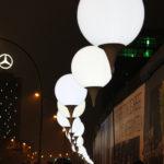 Leuchtende Ballons Mauerfall East-Side-Gallery