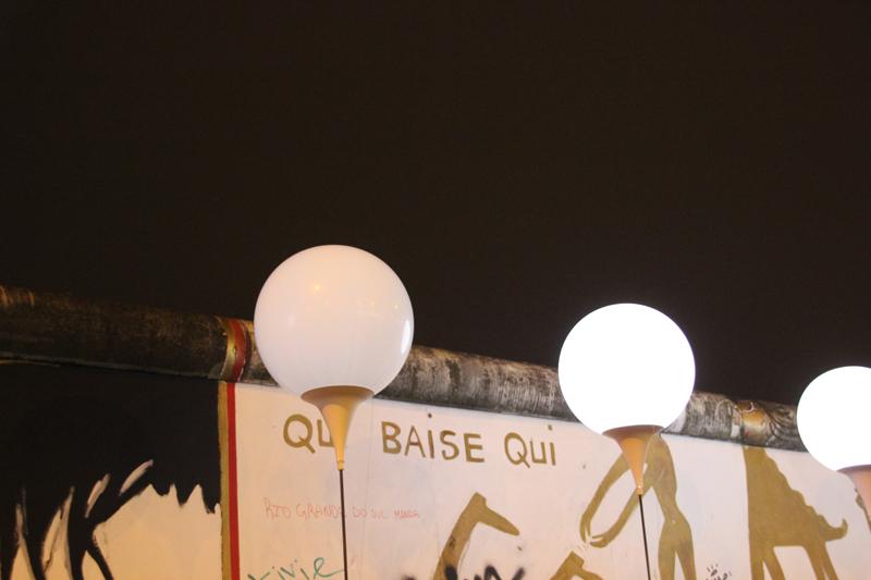 Qui baise Qui Mauerfall Ballons
