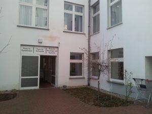 Hinterhof Sanitaetshaus