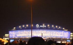 02 World im Gedraenge