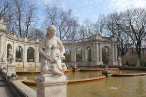 Die sieben Raben Maerchenbrunnen Volkspark Friedrichshain