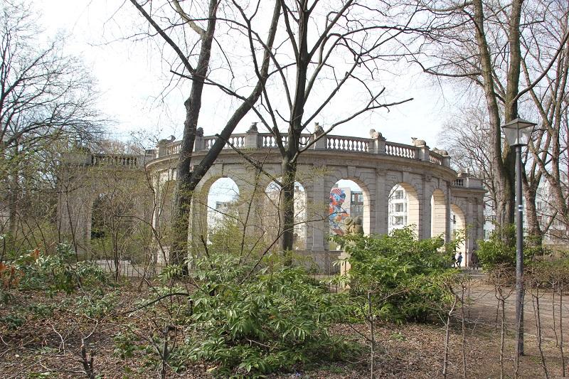 Rundbogen Maerchenbrunnen Volkspark Friedrichshain