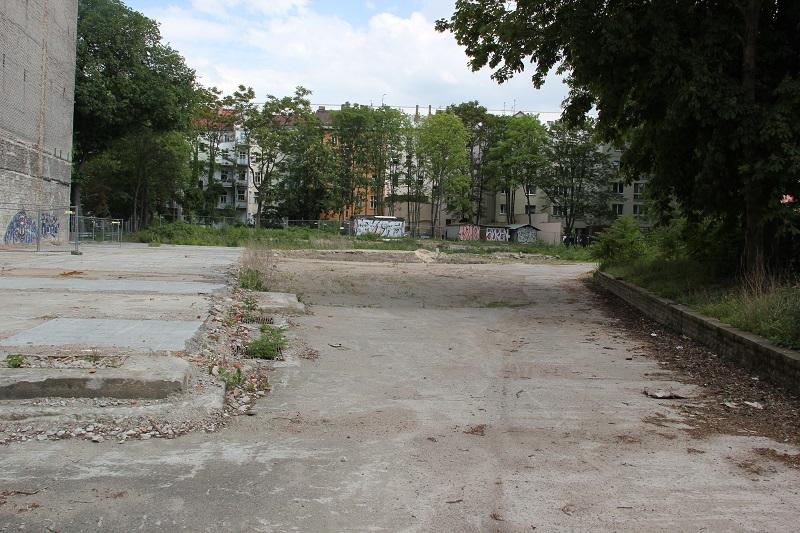 Baustelle Gartenhaus hinter dem Denkmal Friedrichshain