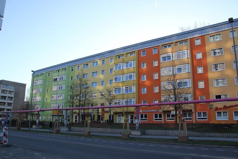 Volkskammer Plattenbauten Str Pariser Kommunen
