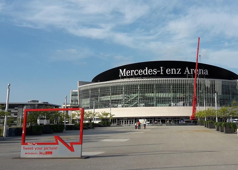 Mercedes-Benz Schriftzug