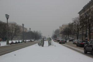 Kunstwerk im Schnee Friedrichshain