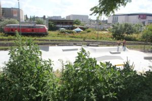 Skateplatz bei den Gleisen Friedrichshain