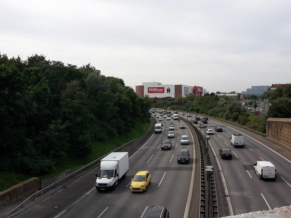 Autobahn Ueberqueren