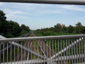 Radweg neben den Schienen