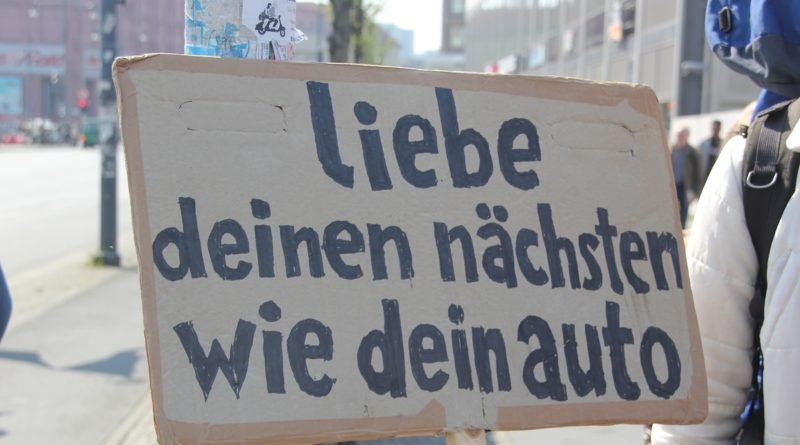 Demoschild 1 Mietenwahnsinn Demo April 2019