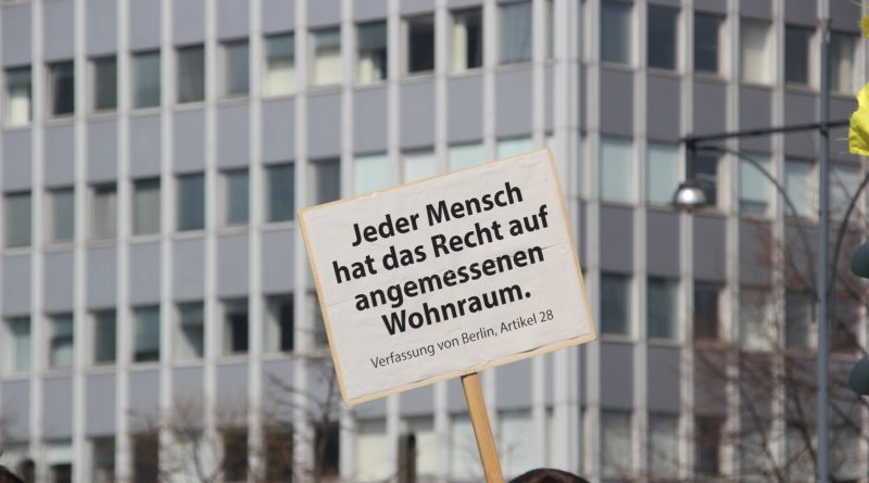 Demoschild 10 Mietenwahnsinn Demo April 2019