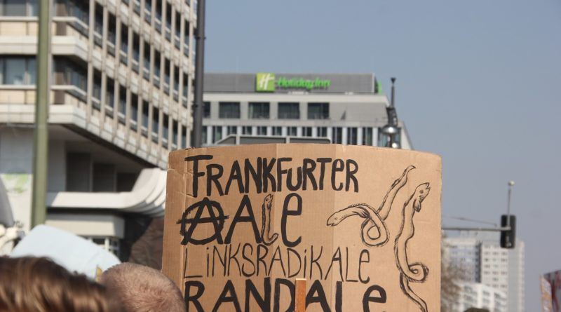 Demoschild 5 Mietenwahnsinn Demo April 2019
