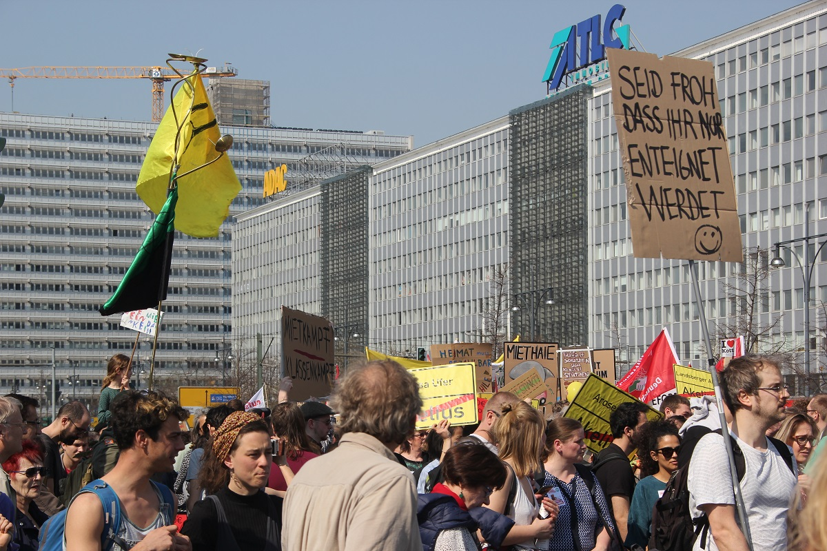 Demoschilder 7 Mietenwahnsinn Demo April 2019